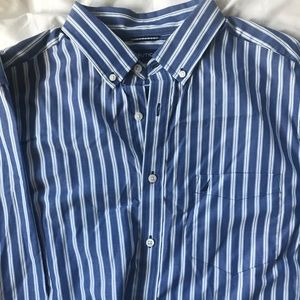 Nautica Button Down XL